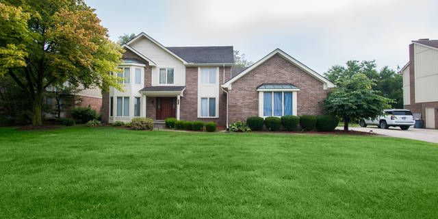 Just Listed! 29914 Fox Club Dr. Farmington Hills, MI 48331 4 Beds, 2.1 Bath, 2726 Sq Ft Listed at $360,000 For more information on this home or to schedule a viewing, call: (248) 221-1224  http://www.thepernateam.com/listing/217075543-29914-fox-club-dr-farmington-hills-mi-48331/  Welcome Home!! Come check out this 4 Bedrooms, 2.5 Bath, 2700+ Sq Foot Colonial Style Home in the highly sought after Hunter's Pointe Subdivision