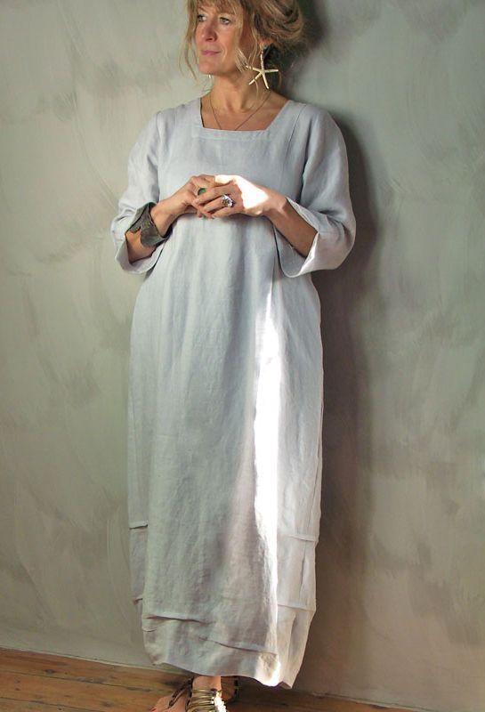Tasman Dress in linen. Hem pleats.