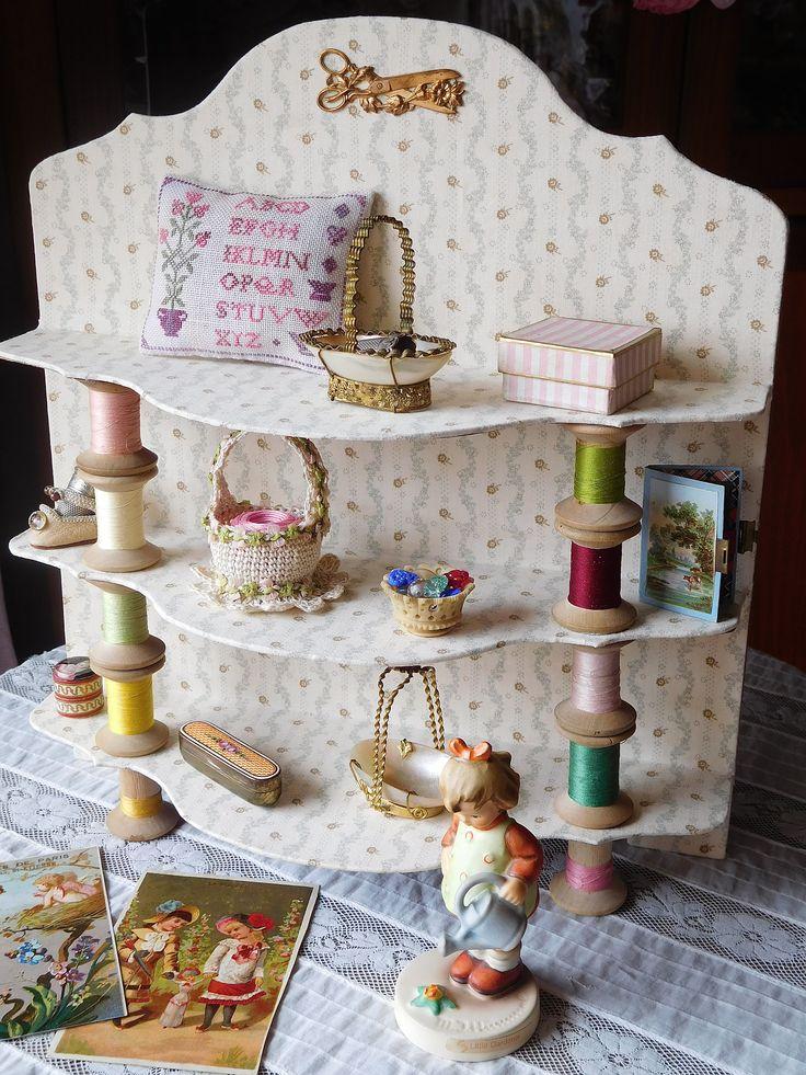 Linho e Alfazema: cartonnage, shelf with bobbins for my little treasures (30x33)…