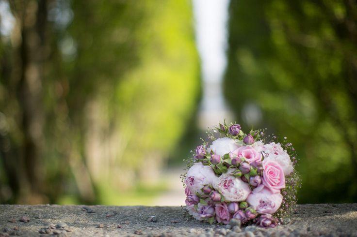 wedding bouguet pink purple Blogg   Hélena Parmér - Foto med Förnuft & Känsla