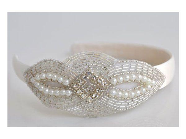 Tocado para novia de diadema con perlas