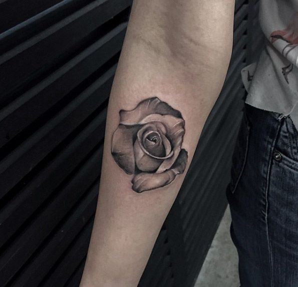 Black and grey ink rose by Turan