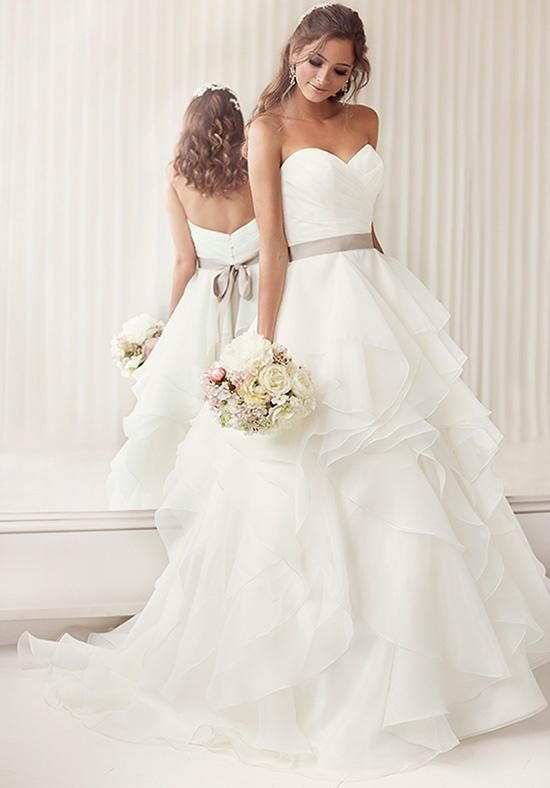 e2deaa73763 11+ Awesome Wedding Dresses To Envy All The Guests