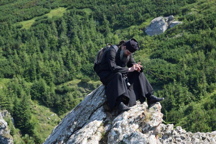 Iată calea noastră, te poticneşti, îndreptează-te, ai căzut, ridică-te, iar a deznădăjdui, niciodată nu este nevoie | Mănăstirea Suruceni