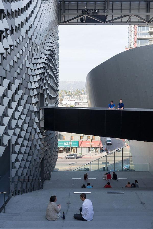 Emerson College, Los Angeles, CA - Morphosis - foto: Iwan Baan