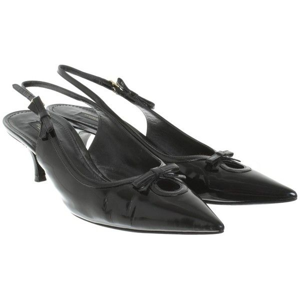 Pre-owned Slingbacks made of patent leather (€170) ❤ liked on Polyvore featuring shoes, black, black patent slingbacks, black sling back shoes, black slingbacks, patent leather shoes and black patent leather shoes