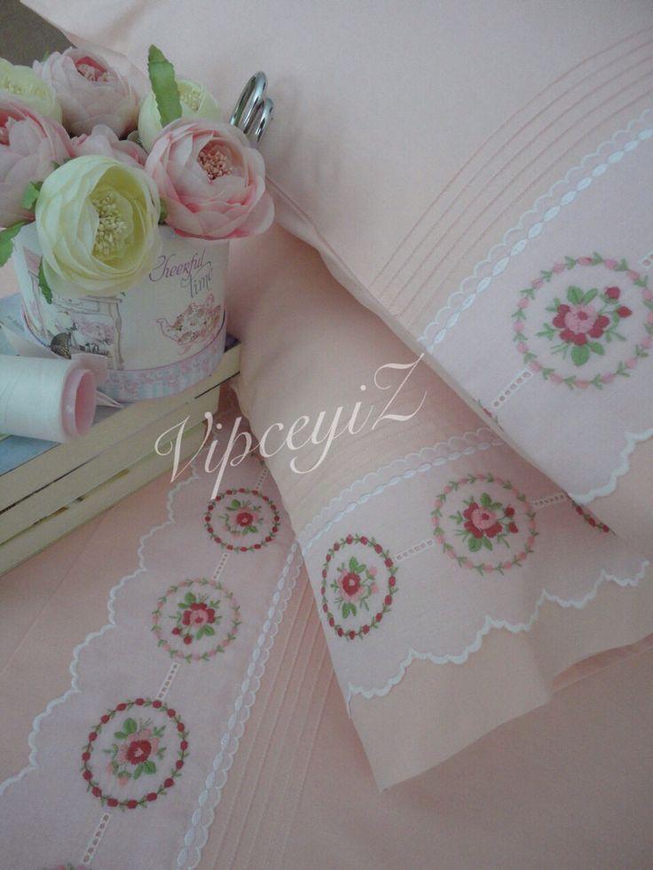 Swisslace pillowcase