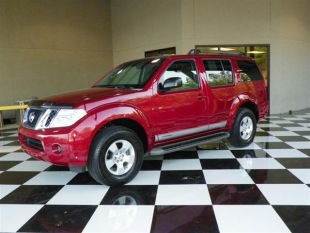 2008 Nissan Pathfinder SE - $16,995 66k miles