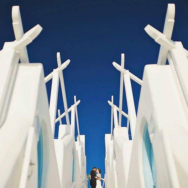 According to #junebugweddings , two #weddingsphotos taken in #Santorini , are among the world's 50 best. Still wondering where will get married?