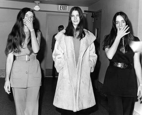 Manson Family Girls during the murder trials - Susan ...
