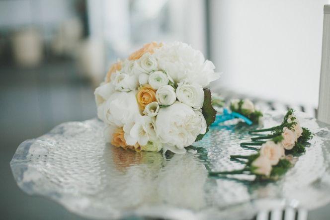 Wedding Flowers | Santorini Wedding | Design By Stella and Moscha - Exclusive Greek Island Weddings | Photo by Chris Spira | http://www.stellaandmoscha.com