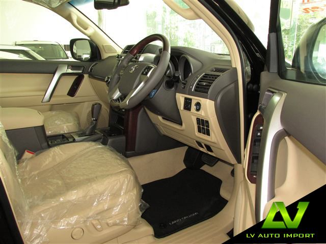 Toyota Land Cruiser Prado 3.0 Diesel (Limited Edition) Exterior : Black  Interior : Ivory