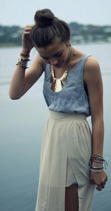 Street style | Statement necklace, vaporous slit maxi skirt and tank top | Just a Pretty Style