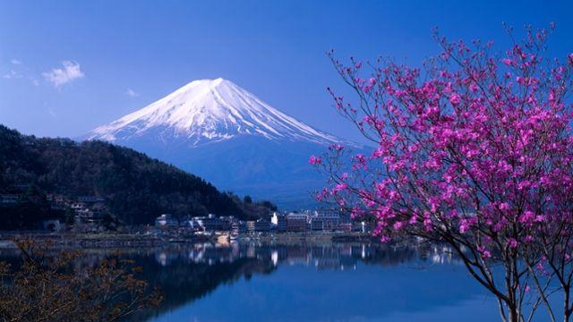 Webmail :: Classic - Mt. Fuji in Spring at Lake Kawaguchiko, Yamanashi, Japan