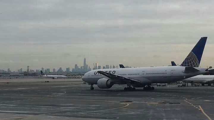 United, paisagem de Nova Iorque vista do aeroporto Newark. Nova Jersey. NJ. 2015 foto by @manbar