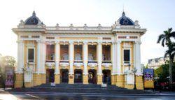 Ханойский Оперный Театр (Hanoi Opera House) – музыкальный театр в центре Ханоя, столицы Вьетнама. Здание театра было построено в 1901—1911 годах, во времена господства французской колониальной администрации. За образец была взята знаменитая Парижская Опера, возведенная Ш�