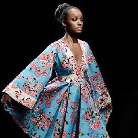 #waxed up kimono #africanfashion #africanprintslovers #africangirlskillingit #africanprintsinfashion #pagnifik #leadersofafrica #afrodesiacworldwide #africanfashionbloggers #bellanaija #asoebi #asoebibella #afroellemag #afropunk #afroelle #reina_de_santiago
