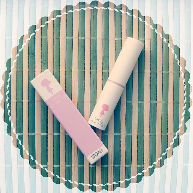 CamomilleBeautyTime: {244} YADAH Lovely Lip Tint Stick