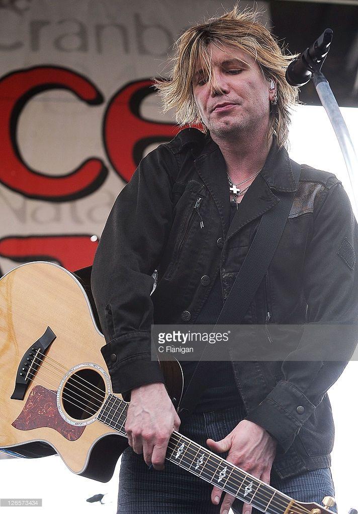 John Rzeznik of The Goo Goo Dolls performs during the 2011 97.3 Alice Radio's Now