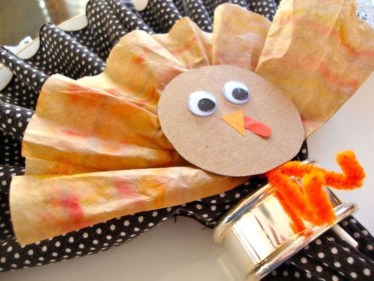 Gobble Pops! DIY Eco-Chic Coffee Filter Turkeys for Thanksgiving.
