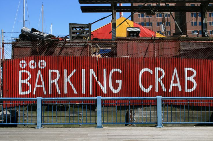 The barking crab a clam shack along fort point channel for Fish restaurant boston