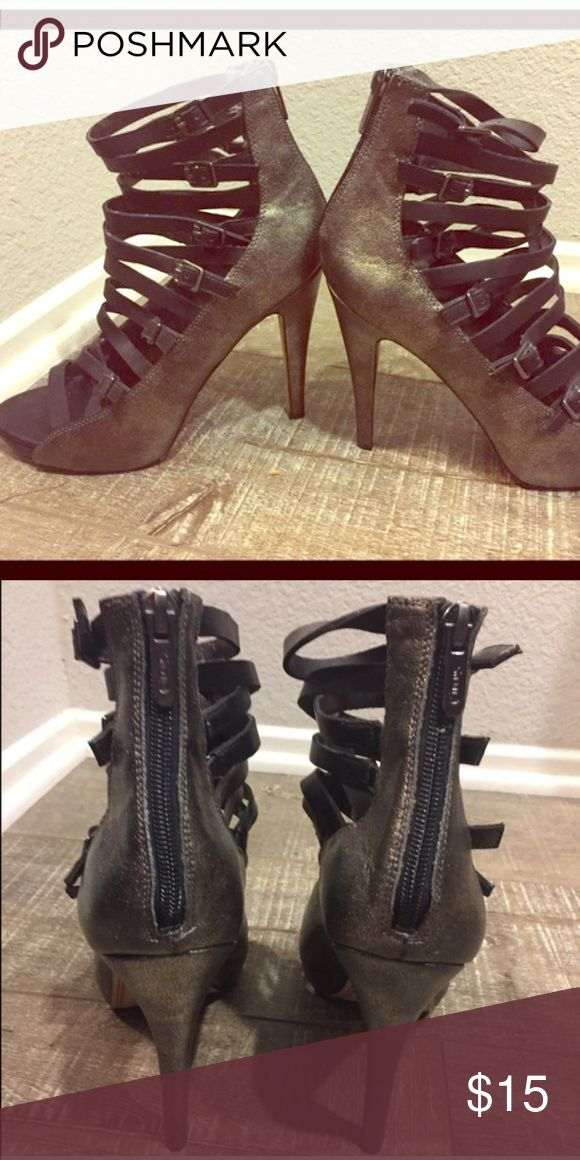 Sam Edelman heels Sam Edelman 4'inch heels. Metallic color. Adjustable straps. All Offers Welcomed😀 Circus by Sam Edelman Shoes Heels