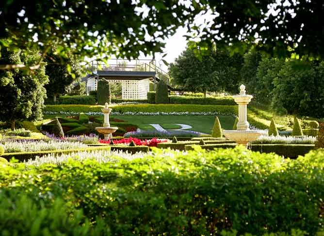 Hunter Valley Gardens - with over 60 acres of gardens, it's one of the Hunter Valley's biggest attractions