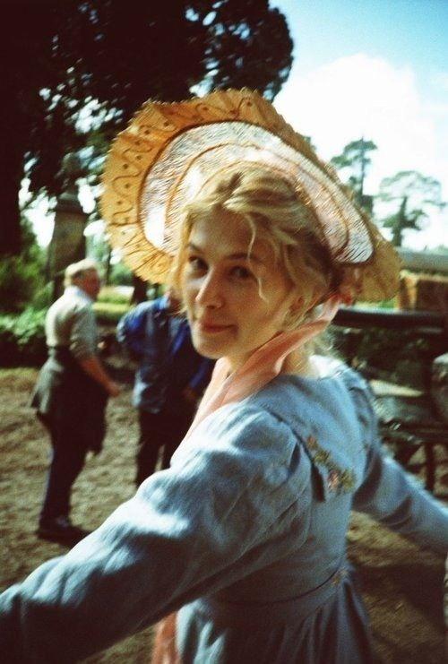 Rosamund Pike (Jane Bennet) - Pride & Prejudice (2005) directed by Joe Wright #janeausten