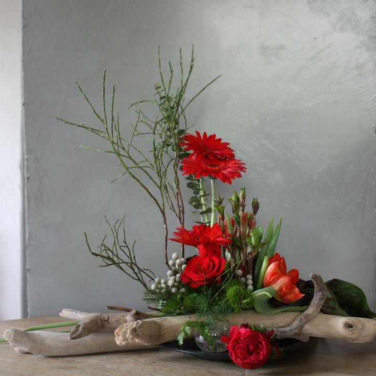 Les 564 meilleures images du tableau art floral moderne for Composition florale avec bois flotte