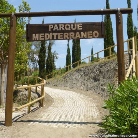 Parque Mediterráneo, Entrada desde Playa Pozuelo. Almuñécar, Costa Tropical de Granada, Andalucía. www.guiadealmunecar.com