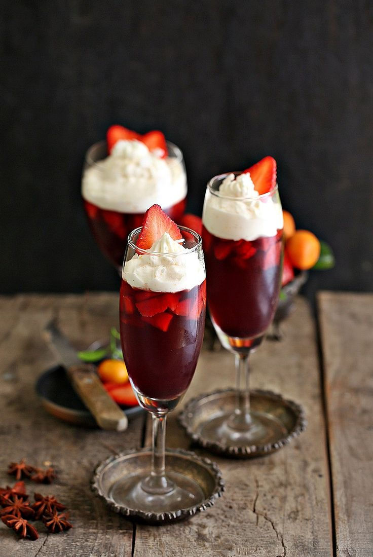 No Bake Strawberry Red Wine Jelly With Orange Whipped Cream Have A Great New Year Recipe Baked Strawberries Wine Jelly Cold Desserts