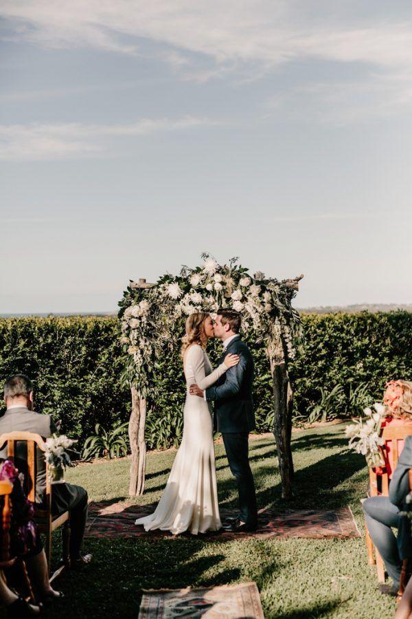 Sophisticated Outdoor Byron Bay Wedding #PronoviasRealBrides