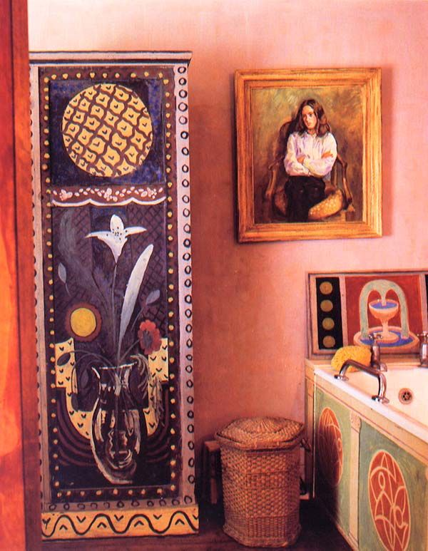 Vanessa Bell's bathroom