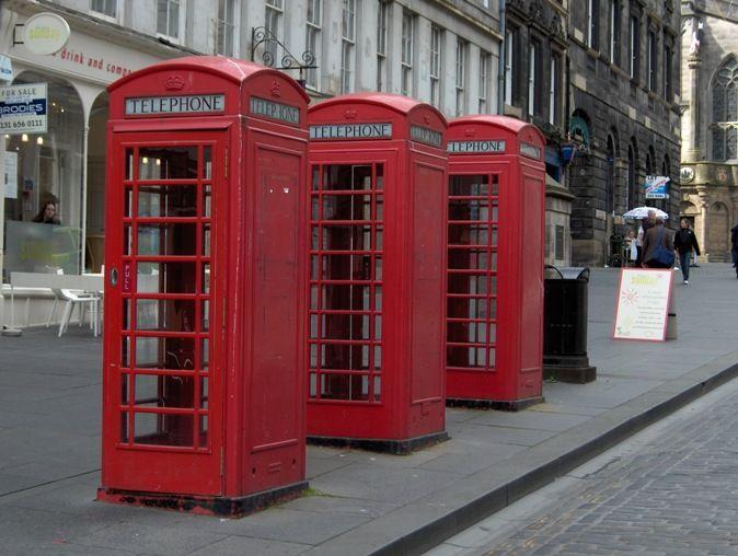 Google Afbeeldingen resultaat voor http://www.matchingmodels.com/userfiles/blog/london-drie-rode-telefooncellen.jpg