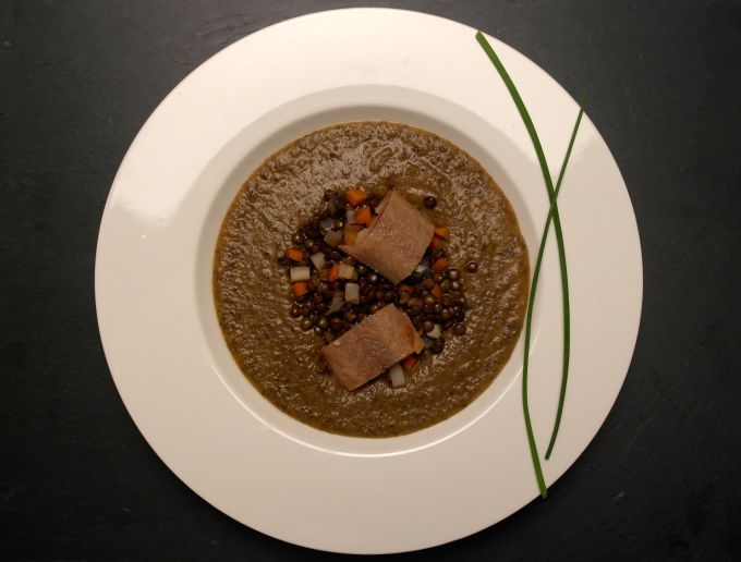 Recipe for a blended lentil soup with smoked eel. Warm and filling, a perfect winter dinner. www.FoodFamily.net