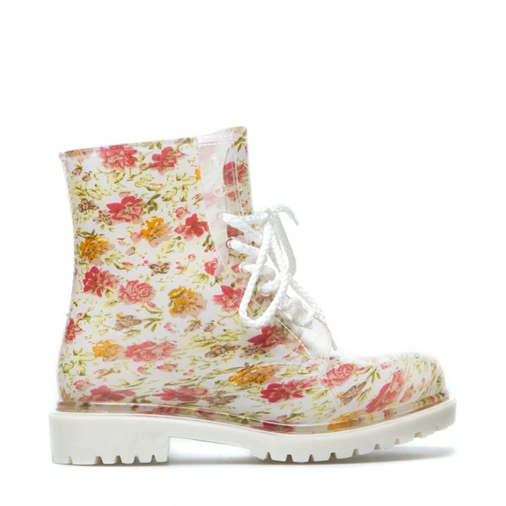 These boots are to cute... only size 9 left...