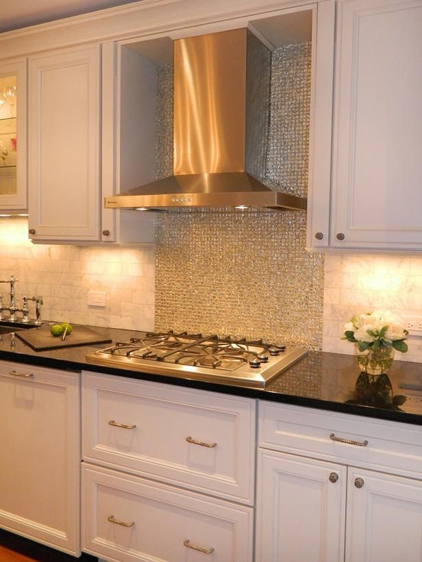 Best 25 traditional kitchens ideas on pinterest for Romantic kitchen designs