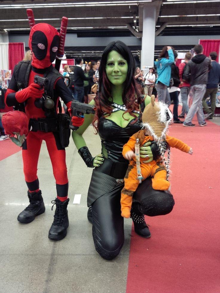 Deadpool, Gamora and Rocket Raccoon at Comic Con de Montreal 2014.