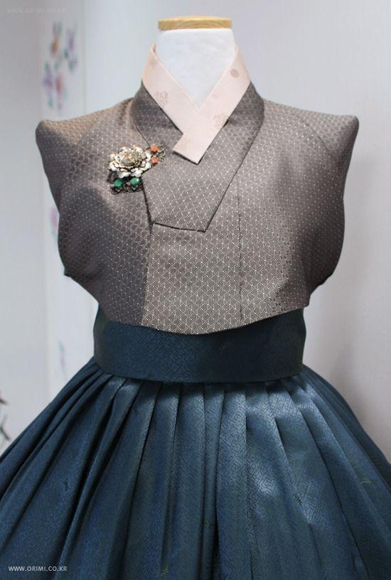 한복 modern hanbok designed by kyung sook park www.parkkyungsook.com
