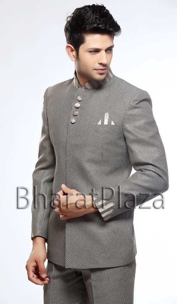 Unique Look Jodhpuri Suit  Item code : TSJ4046   http://www.bharatplaza.in/new-arrivals/mens-suits/unique-look-jodhpuri-suit-tsj4046.html  https://twitter.com/bharatplaza_in  https://www.facebook.com/bharatplazaindianbridal