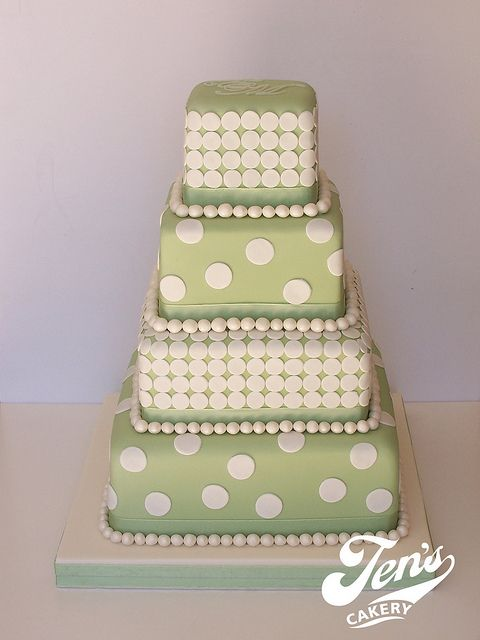spotty wedding cakes - Google Search
