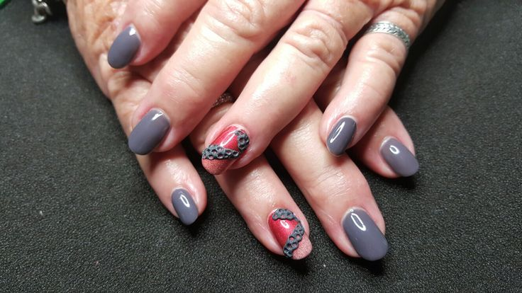 Mums nails using jet acrylic, after hours gel collection and serenity pigments from be creative.... love the colour combo!