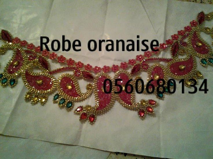 (2) Robe oranaise