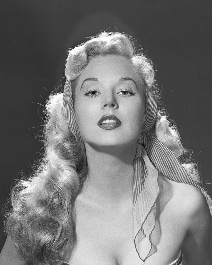 75 best images about betty brosmer on pinterest hourglass figure models and betty brosmer. Black Bedroom Furniture Sets. Home Design Ideas