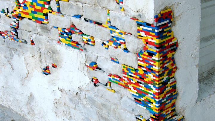 En lo más fffres.co: Este historiador alemán restaura edificios… con piezas de LEGO: Navegando por la red nos… #Street_Art #destacados