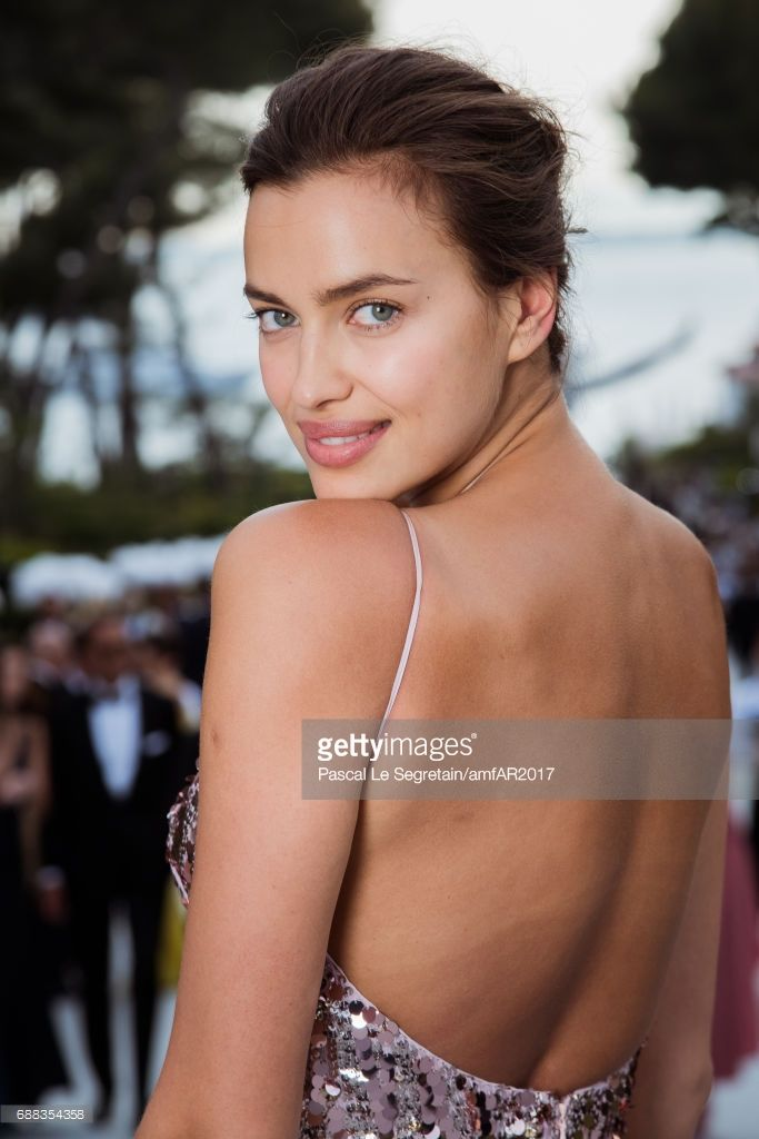(EDITORS NOTE: This image has been retouched.) Irina Shayk attends the amfAR Gala Cannes 2017 at Hotel du Cap-Eden-Roc on May 25, 2017 in Cap d'Antibes, France. (Photo by Pascal Le Segretain/amfAR2017/WireImage)