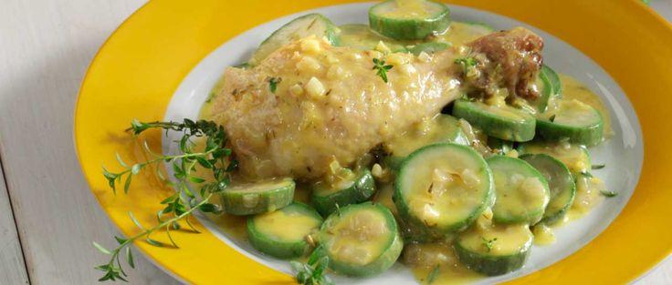 Κοτόπουλο με κολοκυθάκια λεμονάτο
