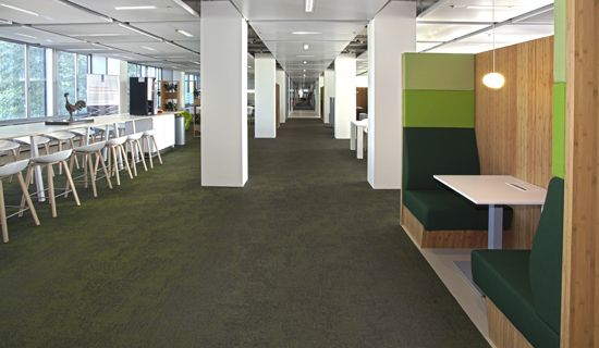 The Ministry of Economic Affairs in Hague and the bank office for Rabobank in Groningen have one essential thing in common, apart from money. They have both made the decision to install Bolon flooring in highly creative ways – a functional choice for high-traffic areas.