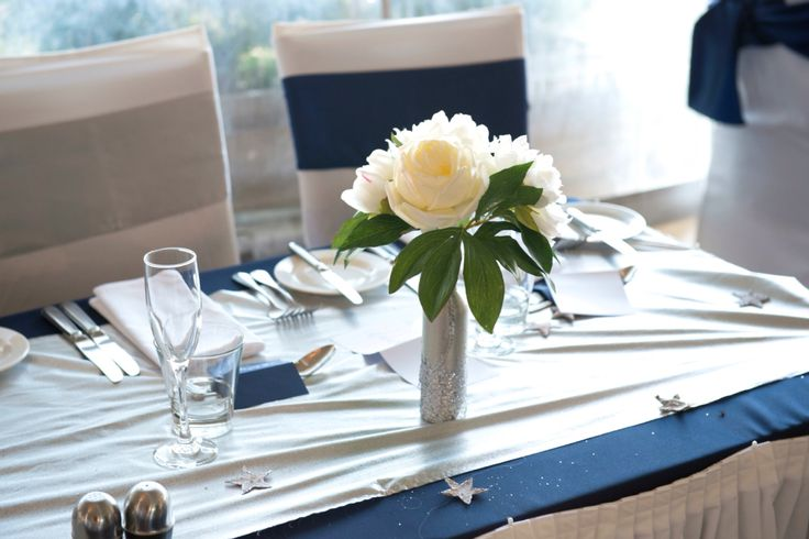 navy & silver table setting wedding, silver sequins, silver stars