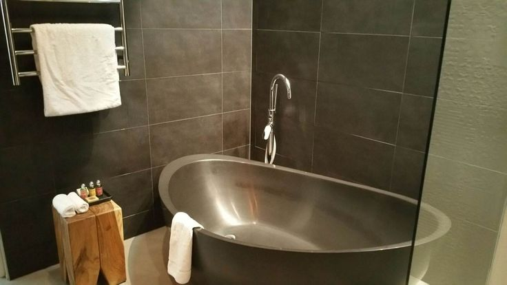 A bathroom to die for. Yours to enjoy with Clifftop at Hepburn.  The luxury Hepburn Springs accommodation everyone is talking about.